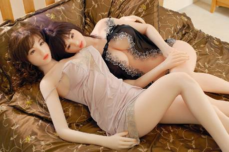 rubber-fuck-dolls-for-girls-wife-naked-with-food